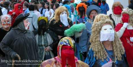 Máscaras un dia de pasacalles en Herencia