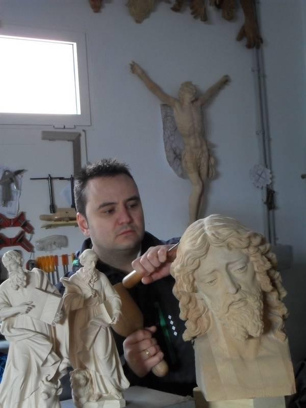 Miguel Ángel Arjona escultor e imaginero - Entrevista al escultor Miguel Ángel Arjona