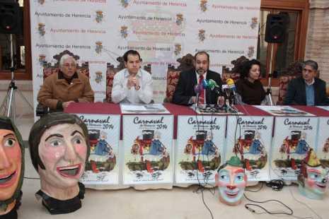 herencia carnaval rueda prensa a alcalde1 465x310 - Presentado el programa de actos del Carnaval de Herencia 2014