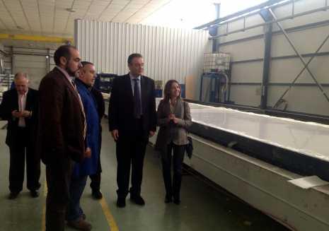 El director general de Administraciones Públicas de Castilla-la Mancha visita la empresa tecnove Fiberglass