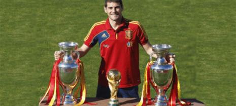 """iker casillas eurocopa copa mundo 465x209 - Iker Casillas, desea """"Feliz Carnaval"""" al pueblo de Herencia"""