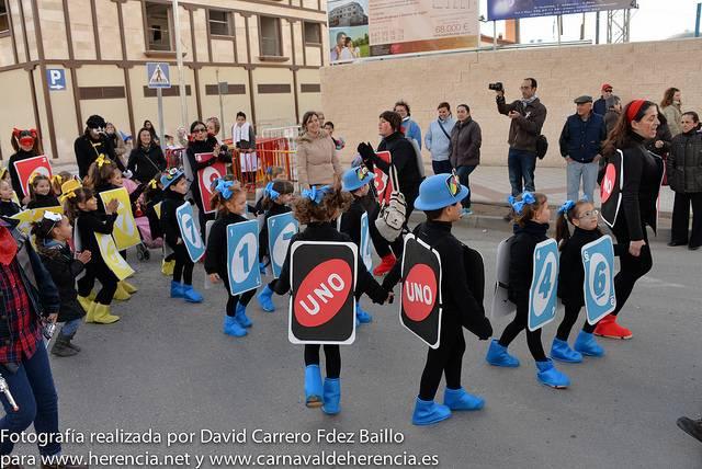 carnaval de herencia infantil 2014 - Los más pequeños bailan al ritmo de la música en el festival infantil