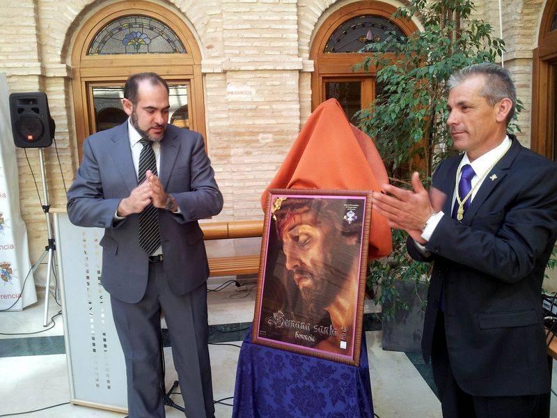 herencia alcalde y presidente hermandades ante el cartel - Presentado el programa de actos, cartel y libro de la Semana Santa 2014