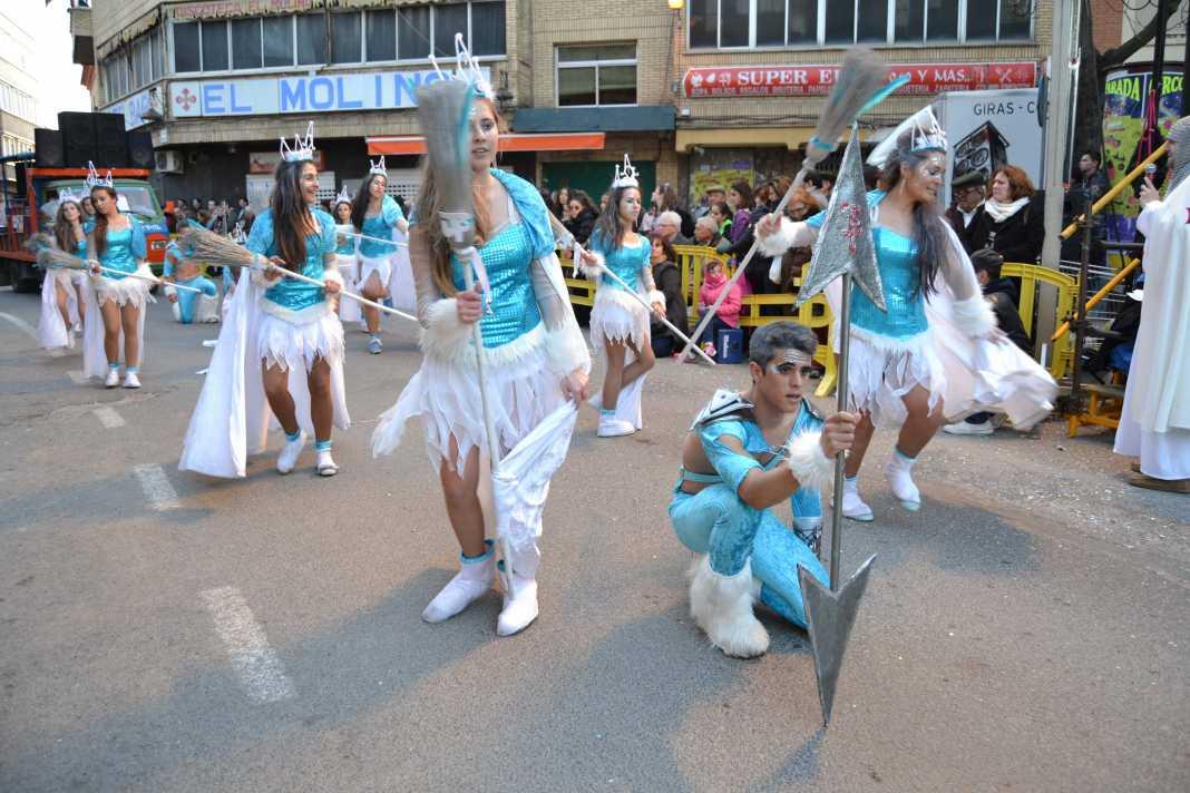 herencia frozen la fantasia helada jarra y pedal de herencia 1068x712 - Espectacular desfile del Ofertorio del Carnaval de Herencia que batió todos los récord de duración y participación