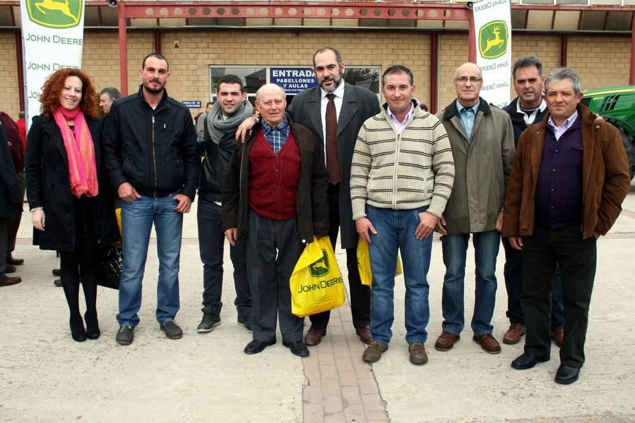 herencia_alcalde_y_concejal_con_agricultores_asaja