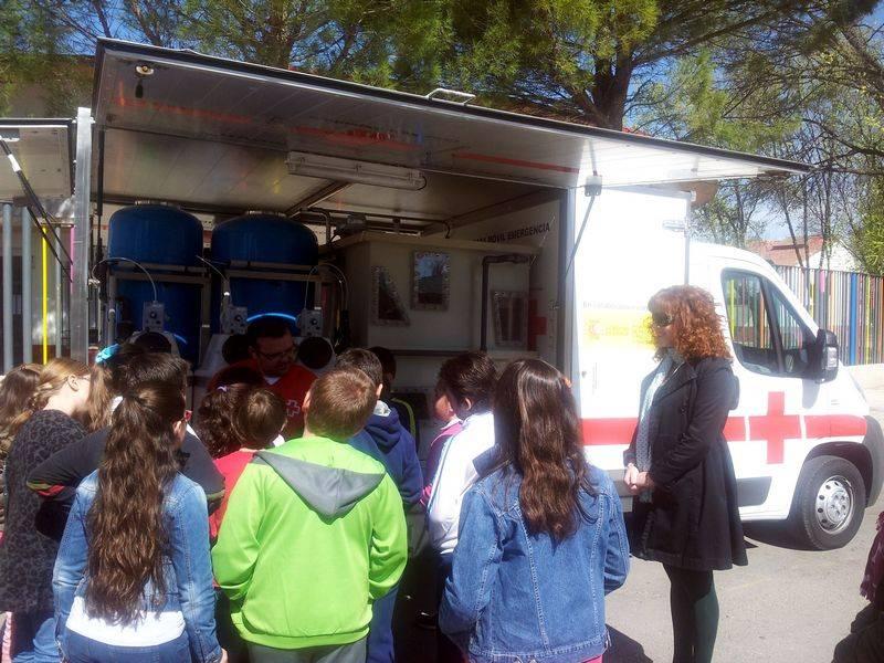 herencia dia agua cruz roja 1 - El colegio Carrasco Alcalde celebra el Día Mundial del Agua