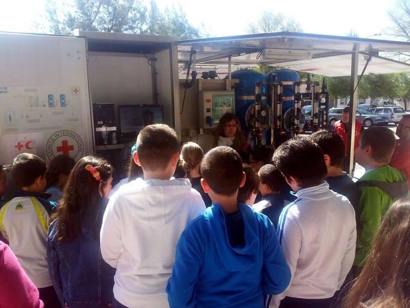 herencia dia agua potabilizadora 2 - El colegio Carrasco Alcalde celebra el Día Mundial del Agua