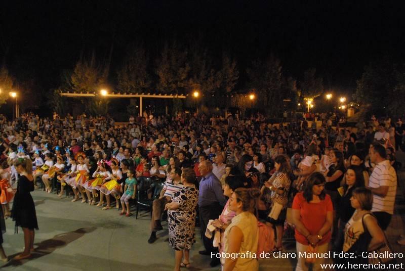 Clausura universidad Popular 34 - Fotogalería de los bailes y exposiciones de la Universidad Popular