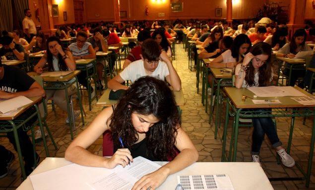Gral noti - 38 alumnos del Hermógenes Rodríguez has realizado la Prueba de Acceso a Estudios de Grado
