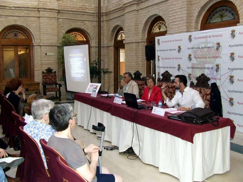 herencia 2 sesion jornadas historia 1a - El público sigue respondiendo en las Jornadas de Historia de Herencia, actos centrales del 775 Aniversario de la Carta Puebla