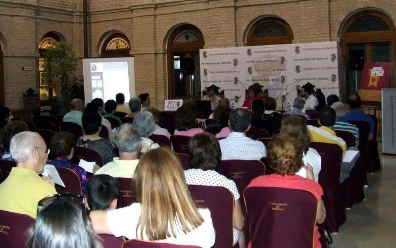 herencia 2 sesion jornadas publico 2a - El público sigue respondiendo en las Jornadas de Historia de Herencia, actos centrales del 775 Aniversario de la Carta Puebla