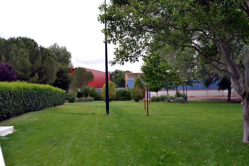 herencia complejo piscinas zona verde - Abierto el proceso de adjudicación del servicio público del bar de la Piscina y Parque Municipal 2016