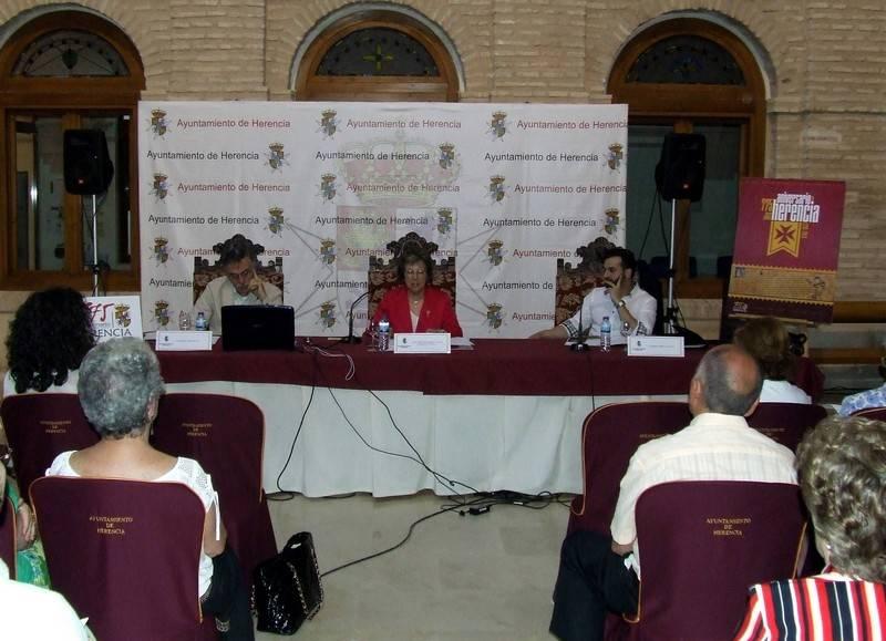 herencia jornadas historia segunda sesion1 - El público sigue respondiendo en las Jornadas de Historia de Herencia, actos centrales del 775 Aniversario de la Carta Puebla