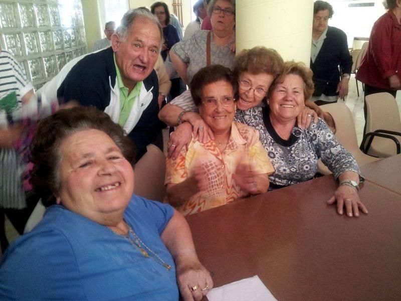 herencia mayores 1 alegres - Variado programa de actividades veraniegas para los mayores de Herencia