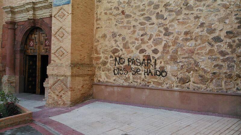 pintada en la parroquia de Herencia - ¿Dónde quedaron los derechos fundamentales?