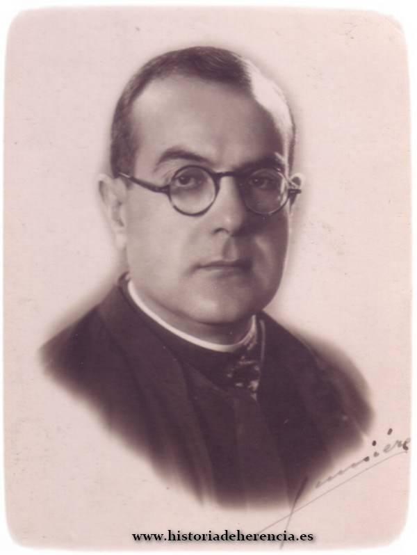 Don Joaquín Gomez Montalbán, párroco de Herencia. Año 1941