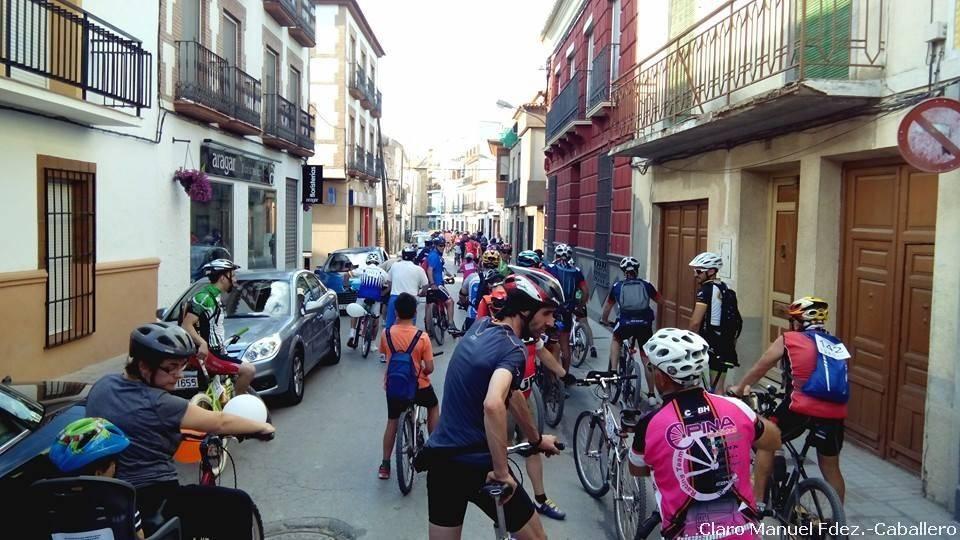 VII Marcha en bicicleta contra el cáncer en Herencia 53 - VII Marcha en bicicleta contra el cáncer. Fotogalería