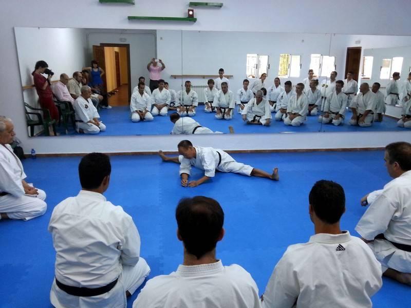 herencia maestro japones en plena clase - Inaugurada la nueva sala deportiva polivalente municipal