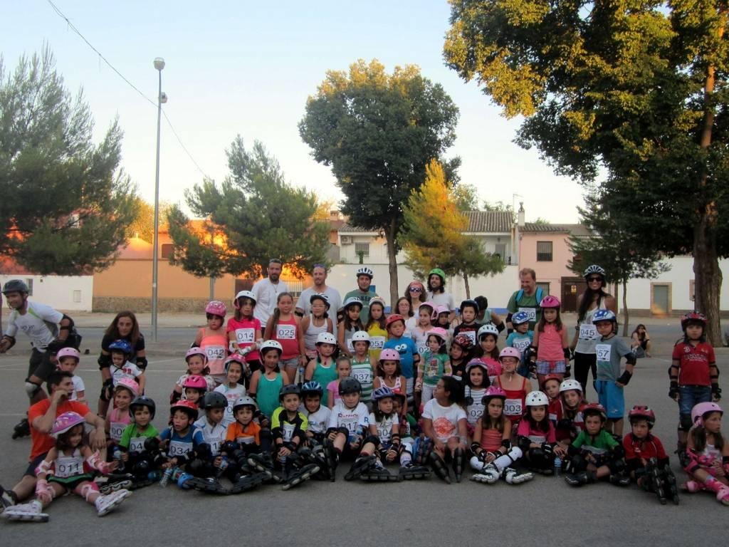 herencia patinada popular 1 -  Más de 60 personas participaron en la divertida 3ª Patinada Popular Villa de Herencia