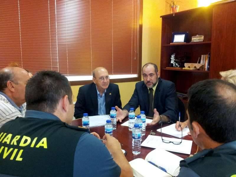 herencia julio junta de seguridad con alcalde y subdelegado1 - Reunida la Junta Local de Seguridad Ciudadana de Herencia