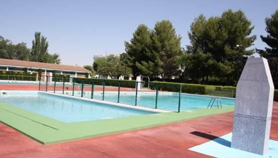 Convocadas tres plazas de taquilleros para piscina for Piscina municipal ciudad real