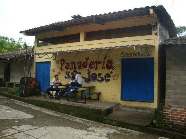 Pandería San José Las Flores - Solman envía a varios cooperantes de Herencia a Honduras y El Salvador