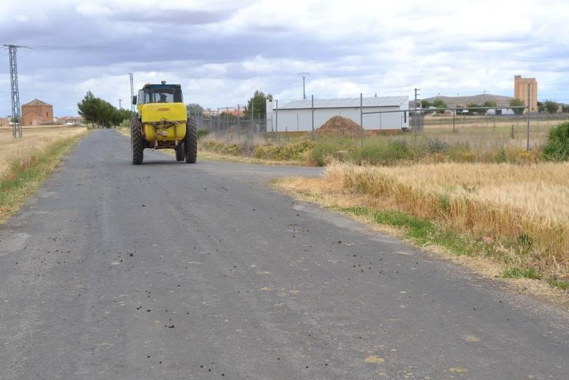 herencia_agricultor_por_camino