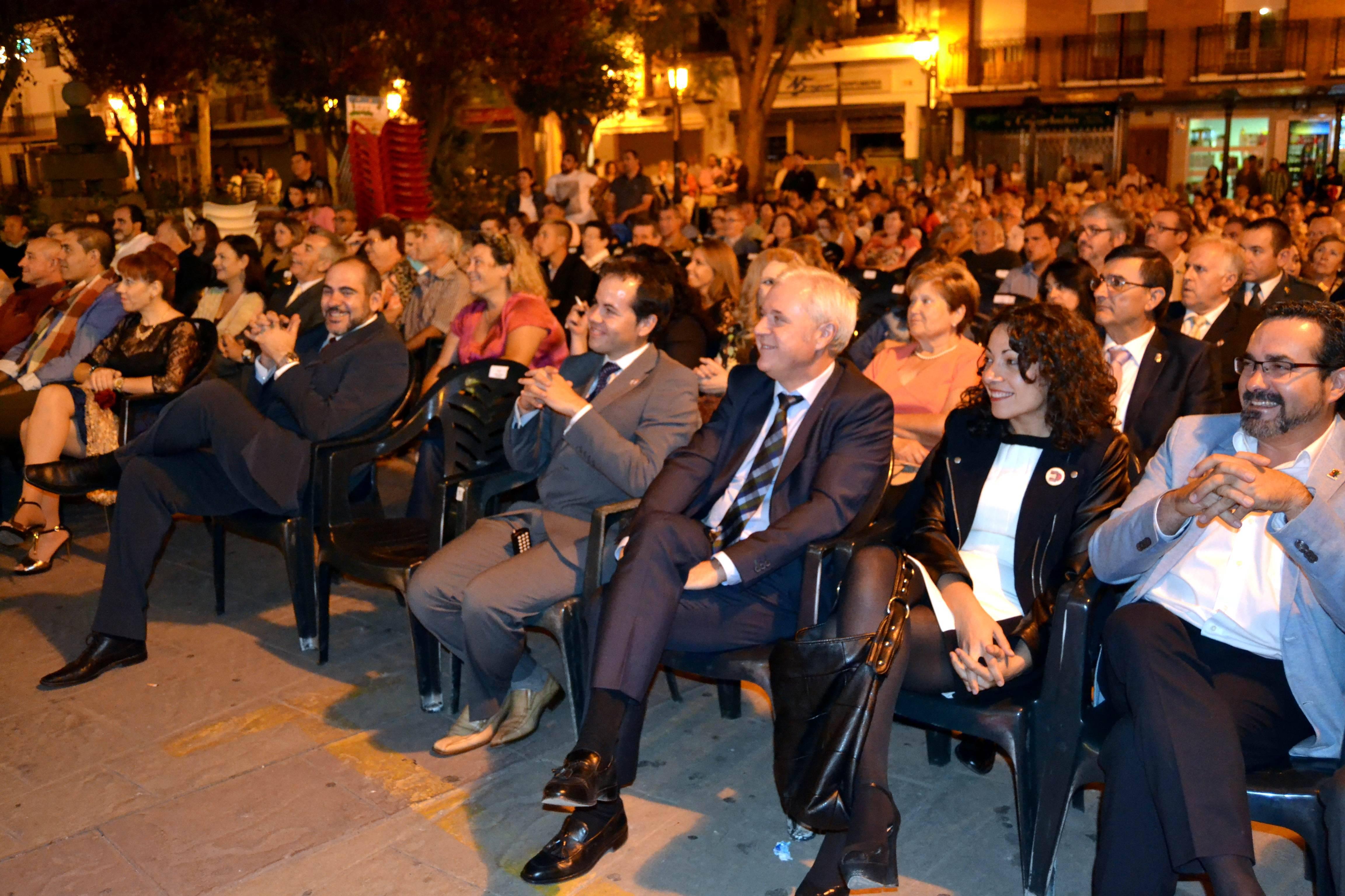 Público de Herencia divertido en inauguración de Feria y Fiestas 2014