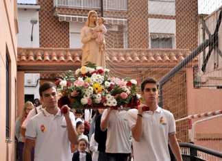 Procesión de Nuestra Señora de las Mercedes en Colegio Herencia