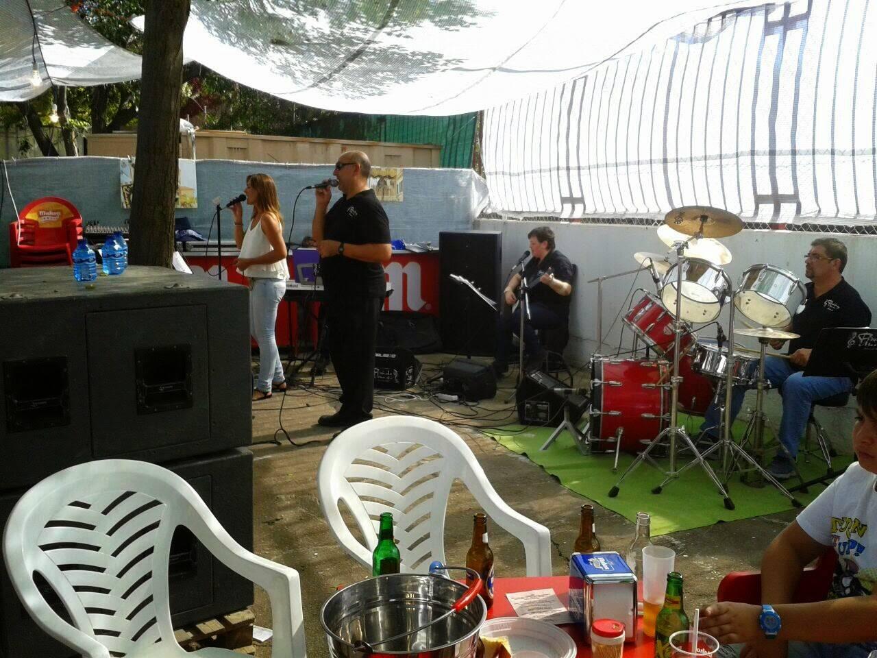 LA ORQUESTA PIZZICATO encargados de las tardes del vermut - La caseta del santo, un éxito en la Feria y Fiestas 2014