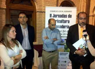 Inauguración de las jornadas de Agricultura y Ganadería. En la imagen: Laura Díaz-Pavón, José Manuel Bolaños, Andrés Montero y Jesús Fernández