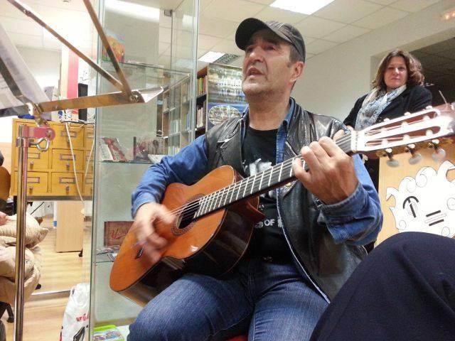Encuentro con el músico y compositor Basilio Montes - Basilio Montes en concierto