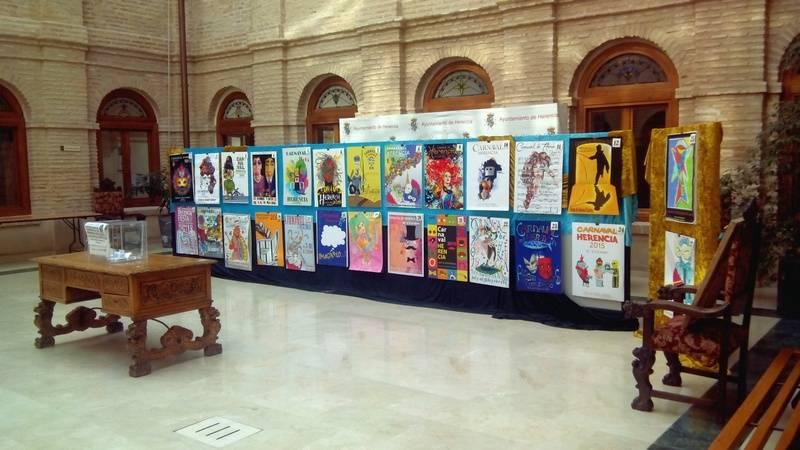 Exposición de los candidatos a cartel anunicador del Carnaval de Herencia 2015 - Mañana tendrá lugar la elección del cartel del Carnaval de Herencia 2015