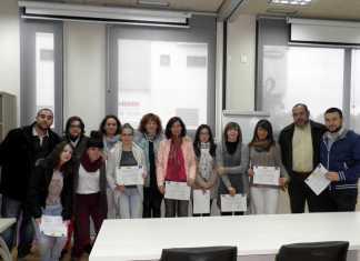 Entrega de diplomas a algunos de los participantes en los cursos de formación de Herencia