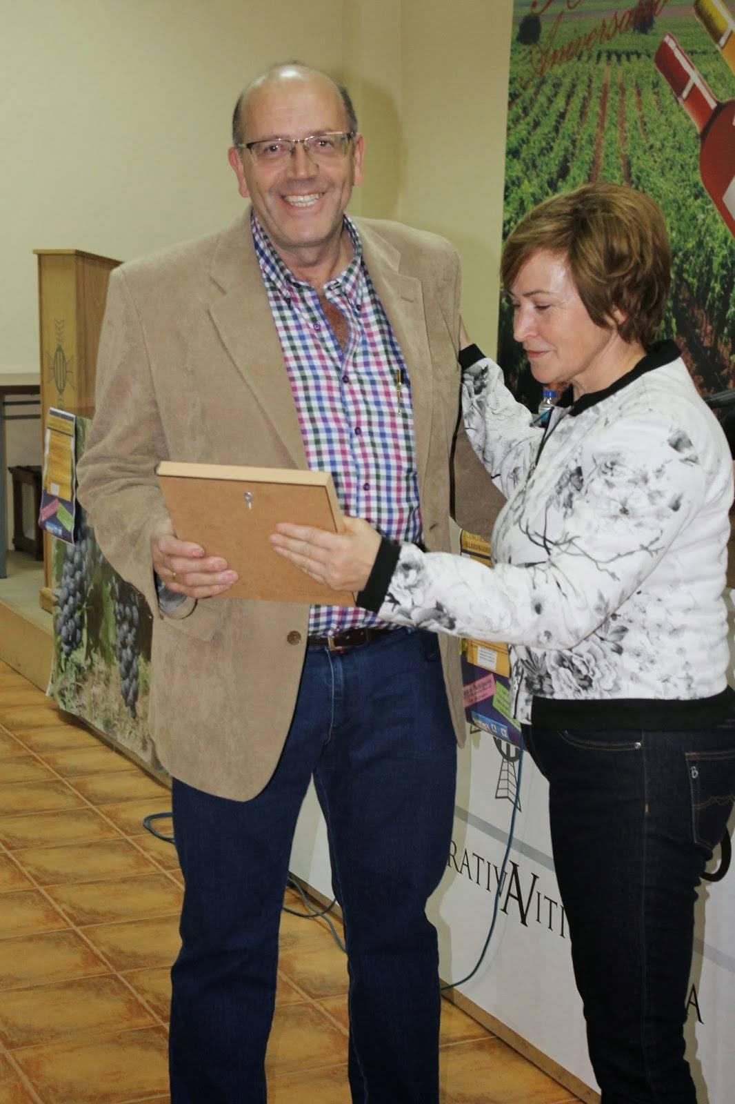 Alfonso Álvarez Ganador en la Categoría de Mistelas. Foto: Asociación de Amigos del Vino de Herencia