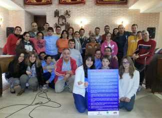 Alumnos del CEIP Carrasco Alcalde junto a usuarios del Centro Ocupacional El Picazuelo