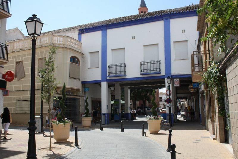 herencia centro acceso a plaza de espana1 - Ordenanza reguladora de las condiciones estéticas de los edificios ubicados en la Plaza de España de Herencia