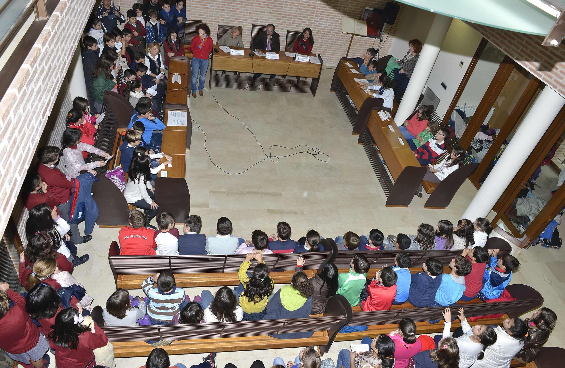 herencia pleno infantil constitucion 1 - Se dará a conocer el libro de las I Jornadas Históricas 775 Aniversario de la Carta Puebla en el acto del Día de la Constitución