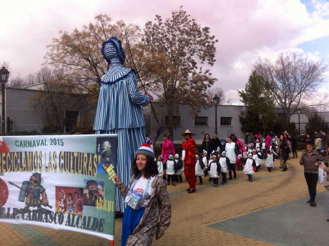 Más de 700 niños participaron en el ecodesfile de carnaval del Carrasco Alcalde 14