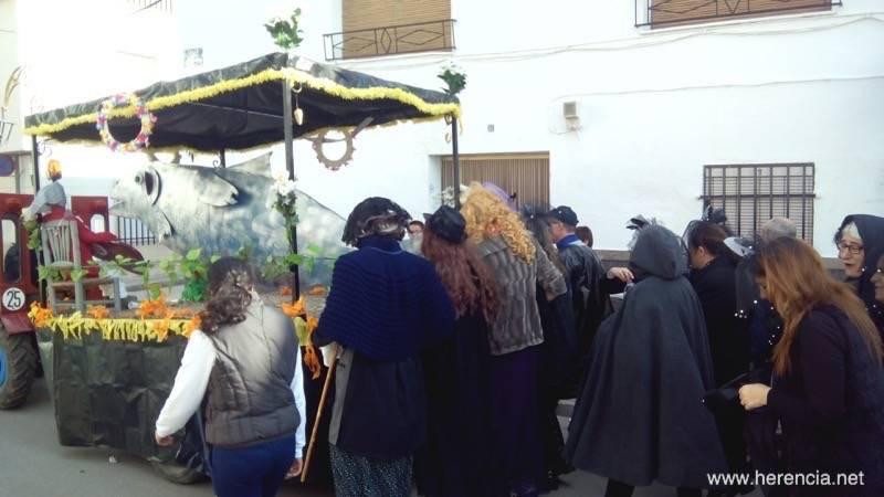 Entierro de la Sardina de Herencia 2015 - El Entierro de la Sardina pone fin al Carnaval de Herencia (vídeo)