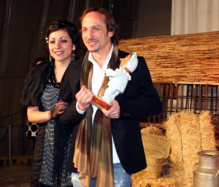 Rafael Garrigós recogiendo su Perlé de Honor en el ámbito socio-cultural