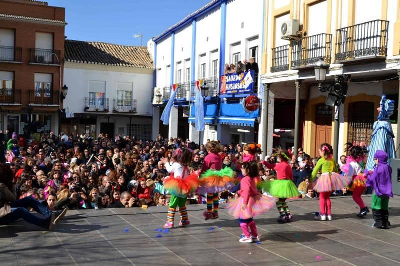 herencia flasmob 21 - Herencia comenzó su Carnaval 2015 de forma muy participativa con Ansiosos, flashmob y Desfile de las Deseosas