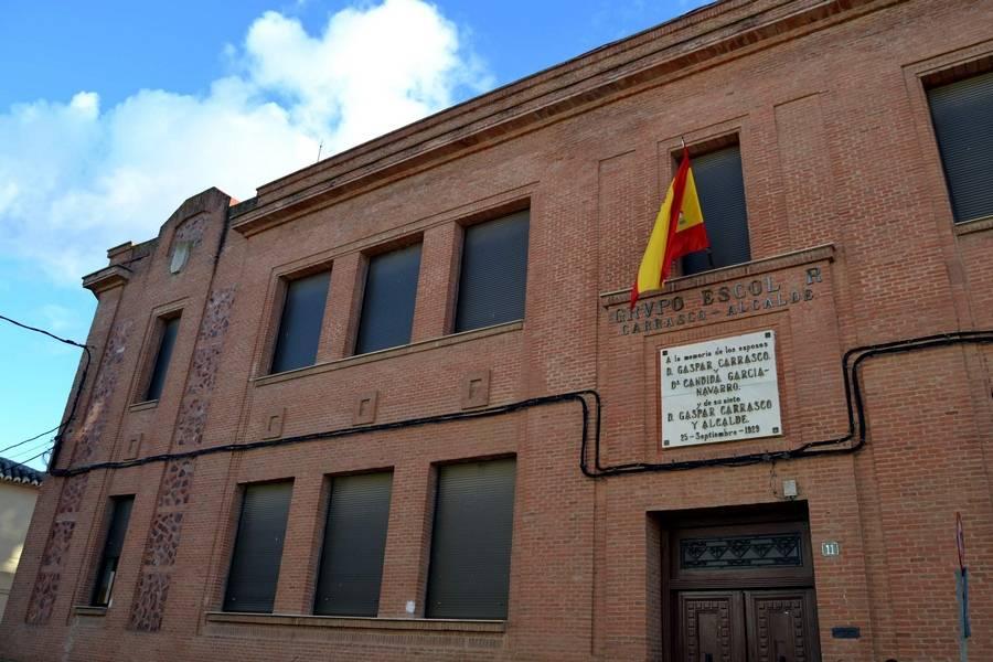 herencia grupo escolar la zanja - El Ayuntamiento de Herencia cede la 2ª planta de La Zanja a la Iglesia Parroquial para sus actividades, siguiendo los deseos de la familia Carrasco Alcalde