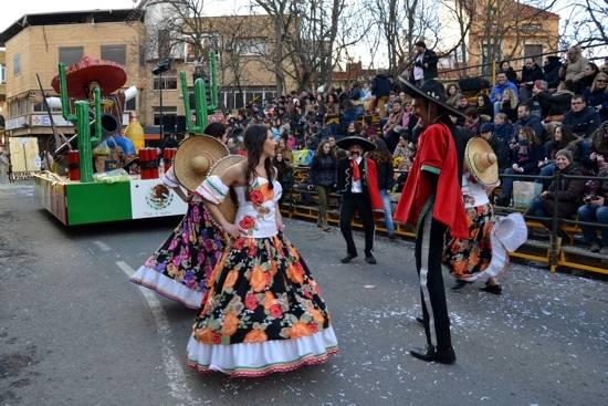 hrencia los imposibles en mexico g - El calor del desfile del Ofertorio pudo con el frío del invierno