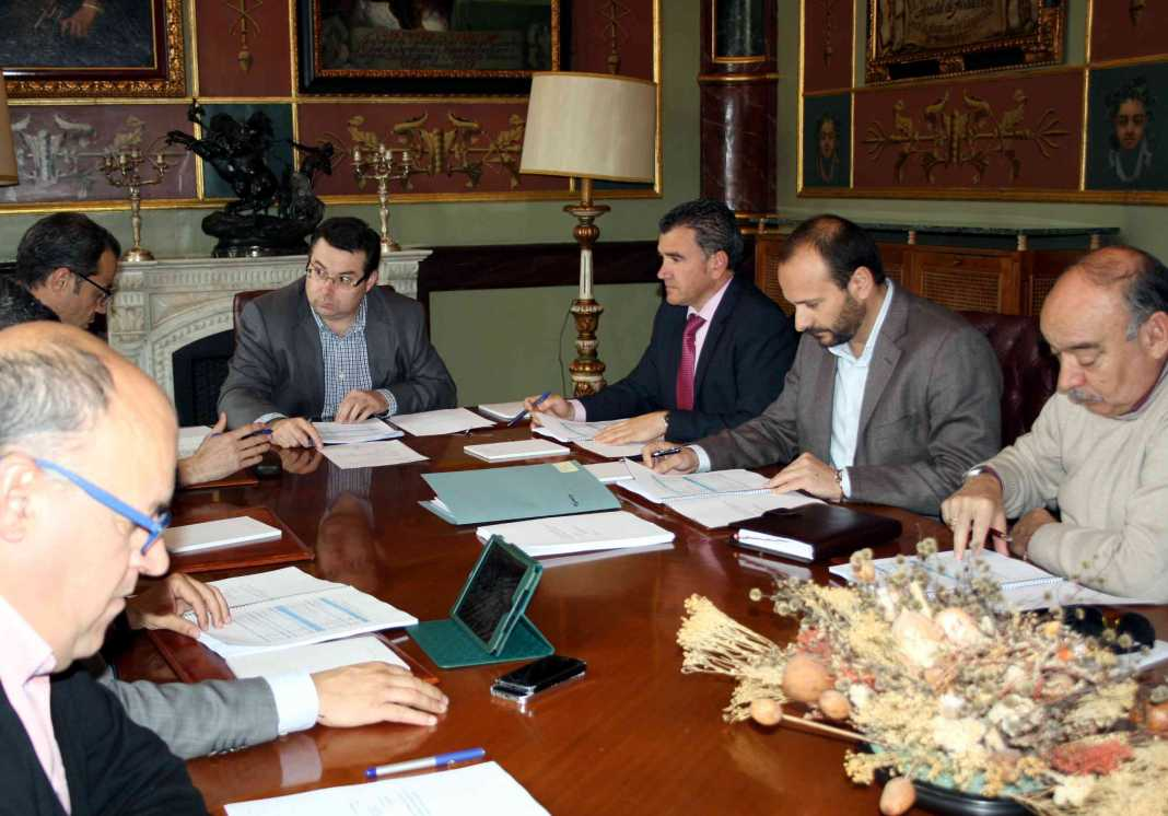 emaser 1 consejo admon 1068x746 - Emaser de Ciudad Real vuelve a obtener resultado positivo en 2014