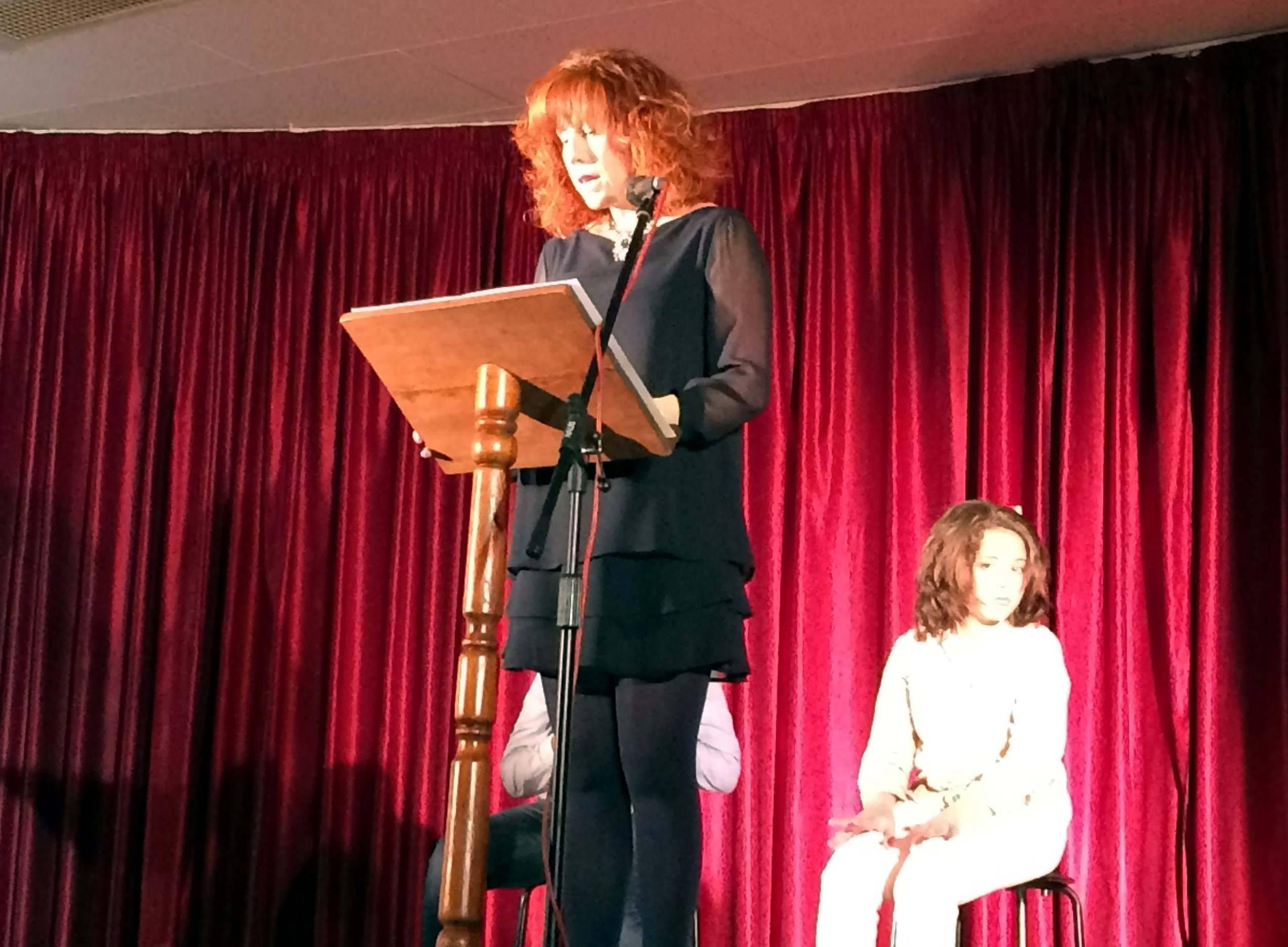 herencia dia mujer lectura manifiesto por concejala - Herencia celebró el Día Internacional de la Mujer