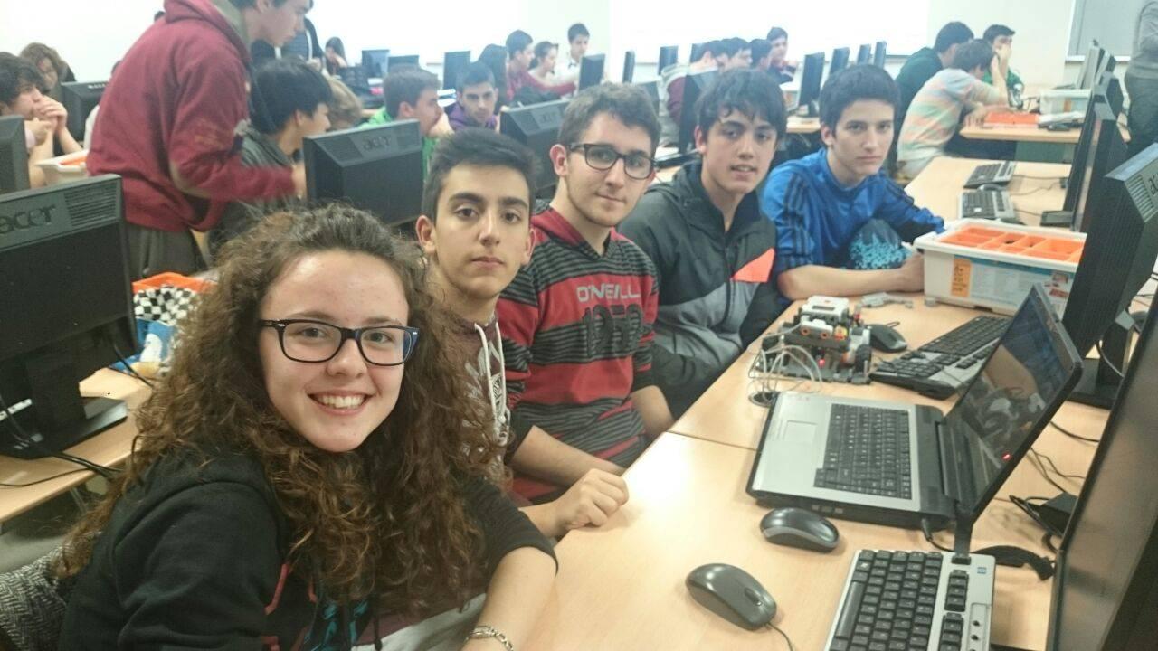 IMG 20150421 WA0001 - Éxito de los equipos de robótica del IES Hermógenes Rodríguez