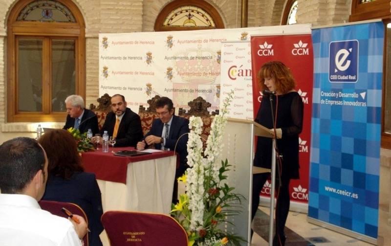 herencia jornadas inaugura 3 - Celebradas las Jornadas Empresariales de Herencia