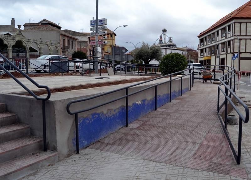 herencia obras pasarela b - Mejoras de accesibilidad y arreglos en el cementerio y en las inmediaciones a la entrada principal del parque