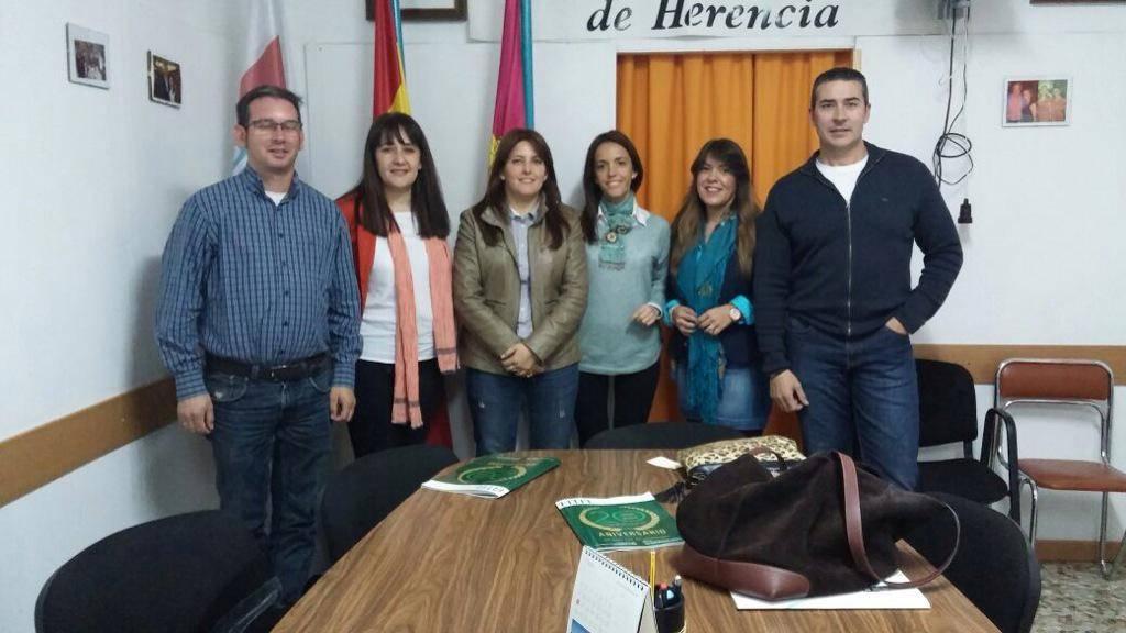 Rosario Moreno-Opo de ATA se reune con autonomos transporte de Herencia